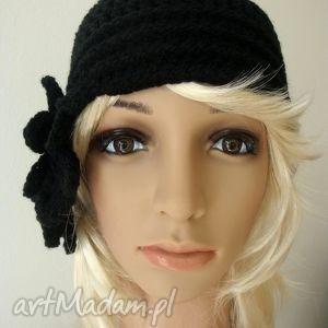 czapki kwiecista czerń czapka w stylu retro, crochet, szydełkowa, ciepła