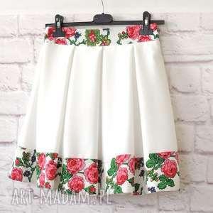 biała spódnica folk z kontrafałdami, spódnica, folkowa, góralska, cleo, biała, ludowa