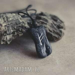 wisiorki wisior - talizman z runą fehu, kamień runiczny, runa fehu