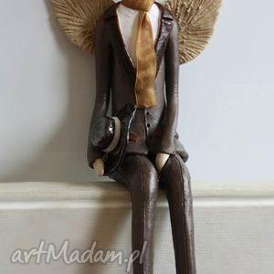 ceramika anioł męski z kapeluszem, anioł, aniołek