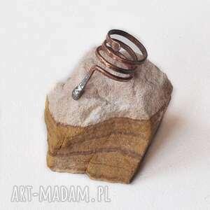 aleksandrab pierścionek z kutej, oksydowanej miedzi /19/, pierścionek, kuta