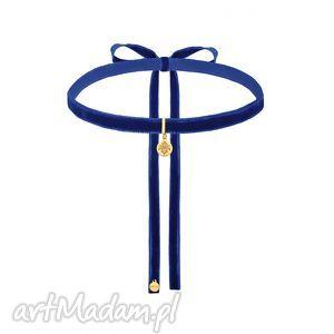 kobaltowy aksamitny choker ze złotą rozetką, modny, choker, minimalistyczny
