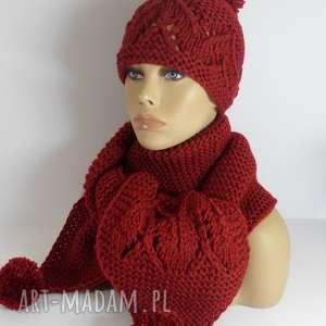 bordowy szal i czapka z ażurowym motywem, czapka, szal, ażurowy, bordowy