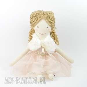 lalka szmaciana w pudrowej sukience, lala, lalka, szmacianka, bawełna, włóczka