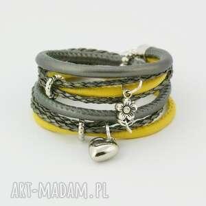 bransoletka owijana żółto-szara, bransoletka, owijana, rzemienie, zawieszki, oplatana