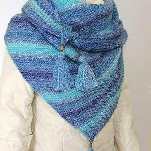 hand-made szaliki trójkątna chusta w odcieniach błękitu