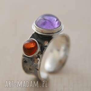 pierścionek srebrny z ametystem i bursztynem, 925, bursztyn