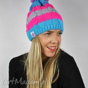 czapka warkocz goodie - stripes, ona, prezent, czapka, warkocz, neonowa, pompon