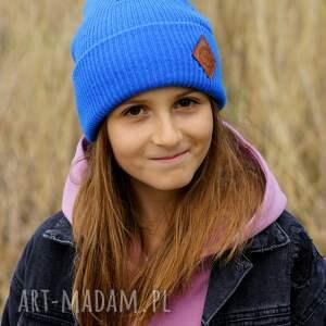 niebieska czapka dla dziecka logo ekoskórka, kids beanie, wywijana
