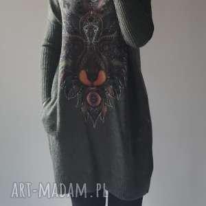sukienka oversize z aplikacją, klasyczna, elegancka, aplikacja, damska