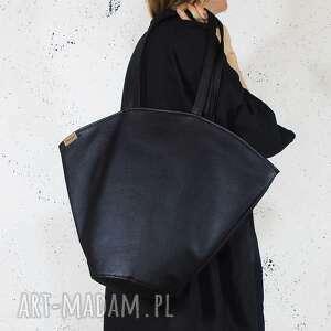 na ramię shelly bag czarna torba w kształcie koszyka, vegan, koszyk, muszla