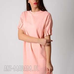 Pikowana sukienka z marszczonymi rękawami s m sukienki non tess