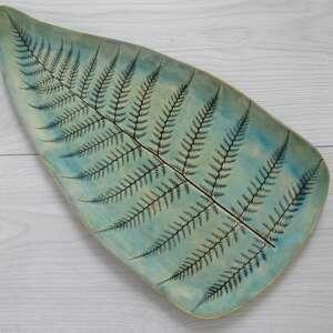 Dekoracyjna patera z paprotką ceramika ana dekoracyjna, talerz