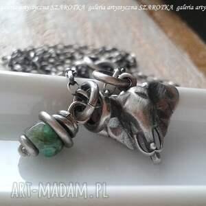 SZAROTKA, egzotyczne klimaty naszyjnik ze szmaragdu i srebra (szmaragd, srebro oksydowane)