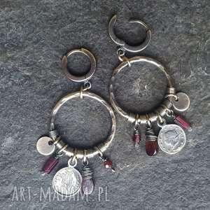 Kolczyki srebrne z granatami treendy metaloplastyka, srebro