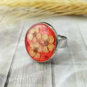 1060/mela pierścionek z żywicą i kwiatami, pierścionek, żywica, kwiaty, epoksyd