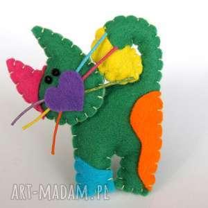 Zielony kotek - broszka z filcu, filc, kot, broszka, serce, biżuteria, dziecko
