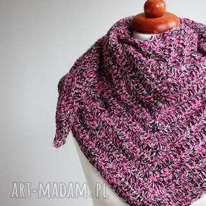 handmade chustki i apaszki chusta z kolorowej włóczki zrobiona