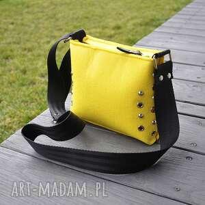 mała torebka filcowa - żółta, mała, torebka, filc, filcowa, ćwieki mini