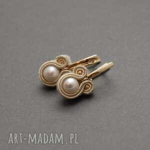 Kolczyki sutasz z perłami sisu sznurek, kremowe, eleganckie