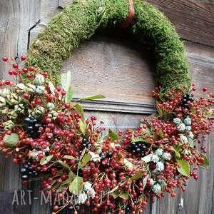 wianek na drzwi, wianek, dzika róza, tuja, ligustr, świąteczny prezent
