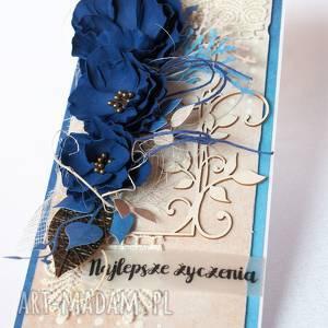 wyjątkowy prezent, scrapbooking kartki z granatowymi kwiatami, kartka