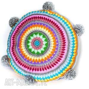 oryginalny prezent, cat a needle poduszka z pomponami, poduszka, kolorowe, pompony