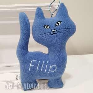 ręczne wykonanie maskotki personalizowany kot z polaru, przytulanka imieniem