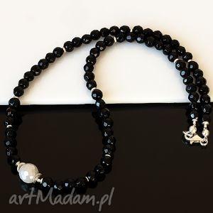 Czarno-biały naszyjnik naszyjniki akadi 1 onyks, muszla, srebro