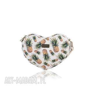 TOREBKA LOVKA 1164 , lovka, serce, ananasy, mala, pojemna