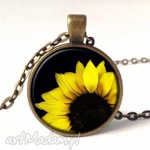 ręcznie wykonane naszyjniki słonecznik - medalion z łańcuszkiem