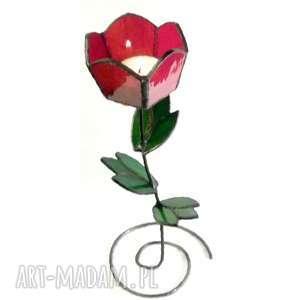 tulipan czerwony uroczy świecznik tworzący niezwykle miły nastrój super prezent dla