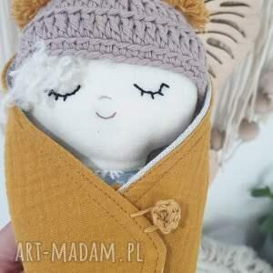 lalka bobas w rożku. (lalka w rożku, w otulaczu, mini laleczka, )