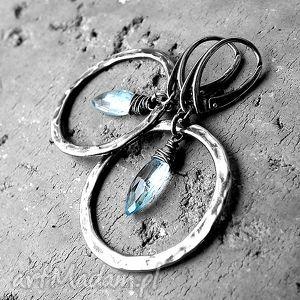 kolczyki srebro i topaz błękitny- koła, topaz, nowoczesne, surowe, dużekoła