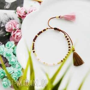 bransoletka na sznurku z chwostami brązowo-różowa minimal brown and pink