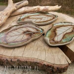 komplet ceramicznych talerzyków c347, talerzyki, liście, ceramika, kamionka