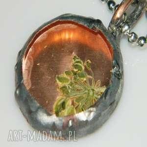 szklany wisior, wisior-miedziany, unikalna-biżuteria, szklany-wisior, miedź