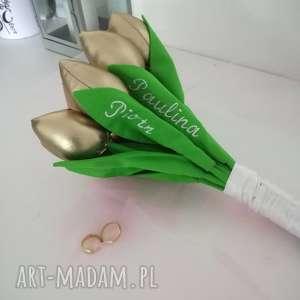 oryginalny prezent, karolina titi bukirt dla mlodej pary, ślub, wesele, kwiaty
