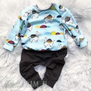 Bluza i spodnie lama slow village dla noworodka, druk noworodek