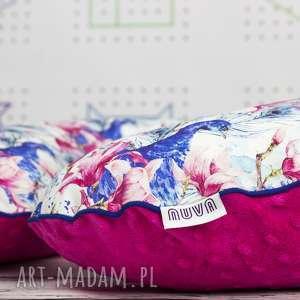 duża poduszka do karmienia paw w magnoliach, poduszka, karmienie, niemowlę