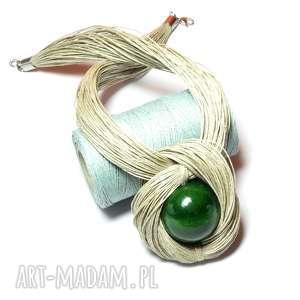 sznurkowy naszyjnik z zieloną kulką, zielony naszyjnik, naturalny