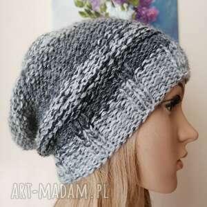 czapki czarna czy biała dwustronna czapka, rękodzieło, bezszwowa czapka
