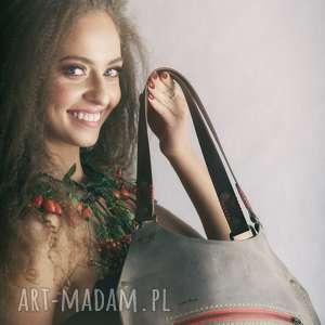 Skórzana beżowa torba wykonana ręcznie przez polskich