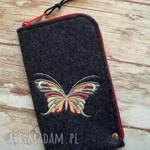 filcowe etui na telefon - motylek, smartfon, pokrowiec, motyl, ptaszki, koraliki