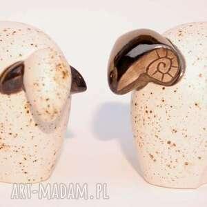 oryginalny prezent, cerama łowca, baran, owca, ceramika, figurki