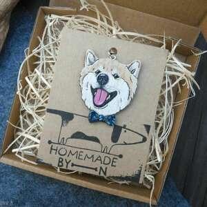shiba inu broszka, brelok, pies, ręcznie malowane, drewno naturalne