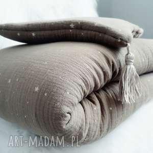 pokoik dziecka pościel muślinowa do łóżeczka z mieniącymi się gwiazdkami kolory