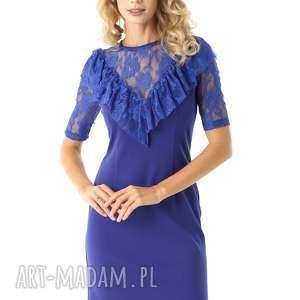 sukienki dopasowana sukienka z koronkową falbanką chabrowa, elegancka