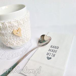 Otulacz na kubek z serduszkiem - ,otulacz,ocieplacz,kubek,kawa,