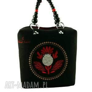 kufer-oset, royaltrend, filc, haft, modnatorebka, rękodzieło, wyjątkowe prezenty
